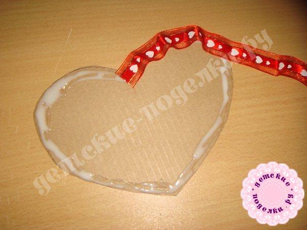 valentinka-iz-podruchnyx-materialov-5
