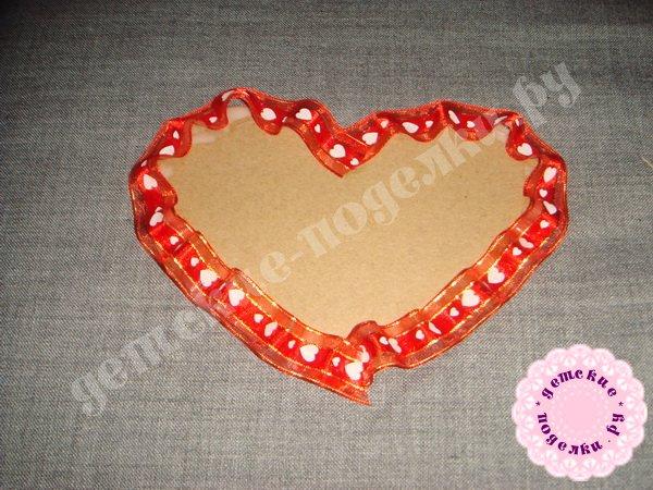 valentinka-iz-podruchnyx-materialov-6