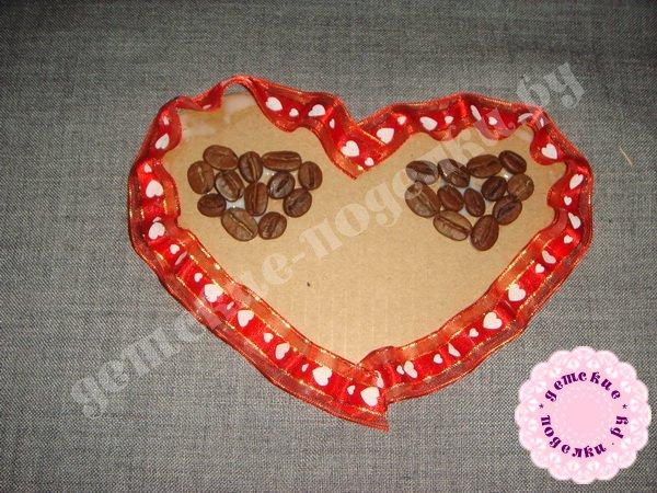 valentinka-iz-podruchnyx-materialov-7