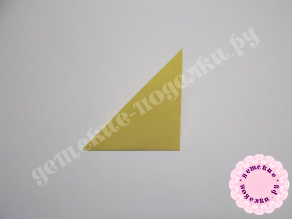 kak-sdelat-rozu-iz-bumagi-5