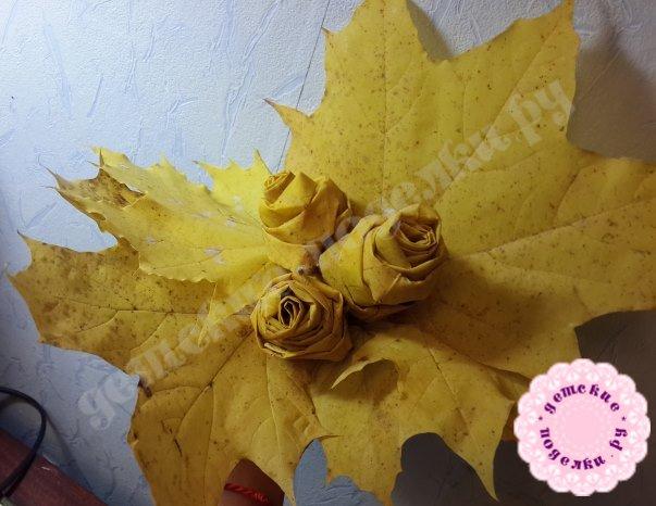 как делать розы из кленовых листьев