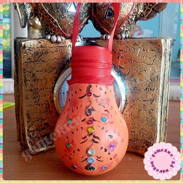 Как сделать елочную игрушку из лампочки