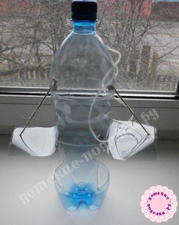 Как сделать из бутылки кормушку для птиц?