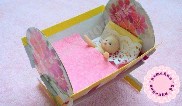 Кроватка для куклы из картона своими руками